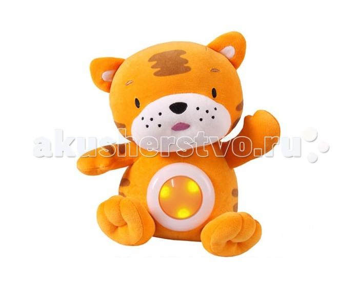 Мягкая игрушка Кот Муар Тигренок свет, звукТигренок свет, звукКот Муар Игрушка музыкальная Тигренок свет, звук обаятельный тигренок-ночничок проигрывает для детей мелодичные колыбельные, чтобы они могли успокоиться и спать без пробуждений до самого утра. На животике жителя джунглей располагается кнопочка-лампочка, которая дает очень мягкий рассеянный свет. Такая игрушка идеальна для тех малышей, которые боятся спать в полной темноте, однако и при ярком освещении заснуть тоже не могут. Ночничок весьма устойчив, и вы сможете поставить его на тумбочку рядом с кроваткой ребенка. Тигренок выполнен без мелких деталей, поэтому подходит даже для детей с рождения.<br>