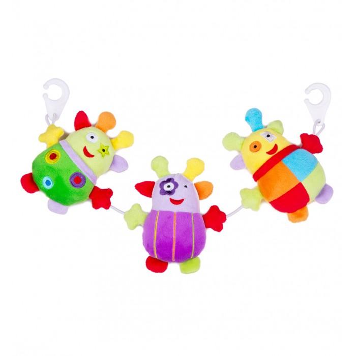 Подвесная игрушка Leader Kids на кроватку и коляску 18 смна кроватку и коляску 18 смИгрушка-подвеска Leader Kids - порадует кроху яркими цветами и милыми мордочками, а также он очень мягкий и приятный на ощупь!  Развивает воображение, цветовое восприятие, мелкую моторику, тактильные ощущения.  Изготовлена игрушка из высококачественных и безопасных материалов, поэтому подойдет для игры самых маленьких.<br>