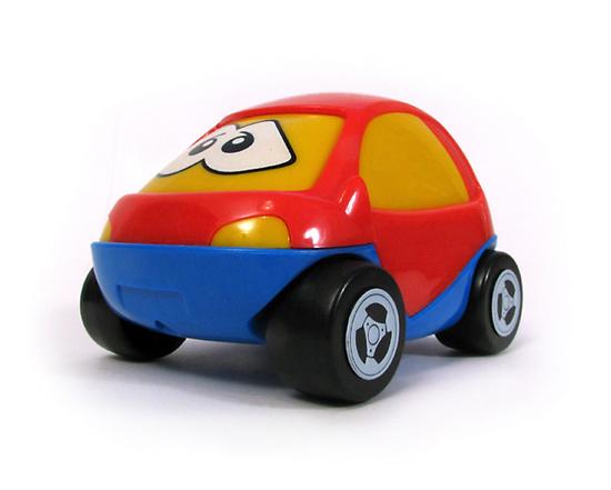 Полесье Автомобиль ЖукАвтомобиль ЖукАвтомобиль ЖУК Полесье, арт.0780 Вы заметили, что дети с трепетом относятся ко всему маленькому? К маленьким животным, насекомым, маленьким растениям, маленьким игрушкам.  Такое отношения является ключевым для ребенка, потому что он сам маленький, хотя изо всех сил, начиная с трехлетнего возраста, старается быть взрослым. Веселый автомобиль, со смешным названием Жук кажется живым, благодаря глазкам, расположенным на лобовом стекле. И, кажется, он выражает эмоции: грусть, радость, игривость.  Играя с машинкой любой мальчишка становиться папой, развивает ловкость, координацию движений, умение осуществлять пространственные перемещения.<br>