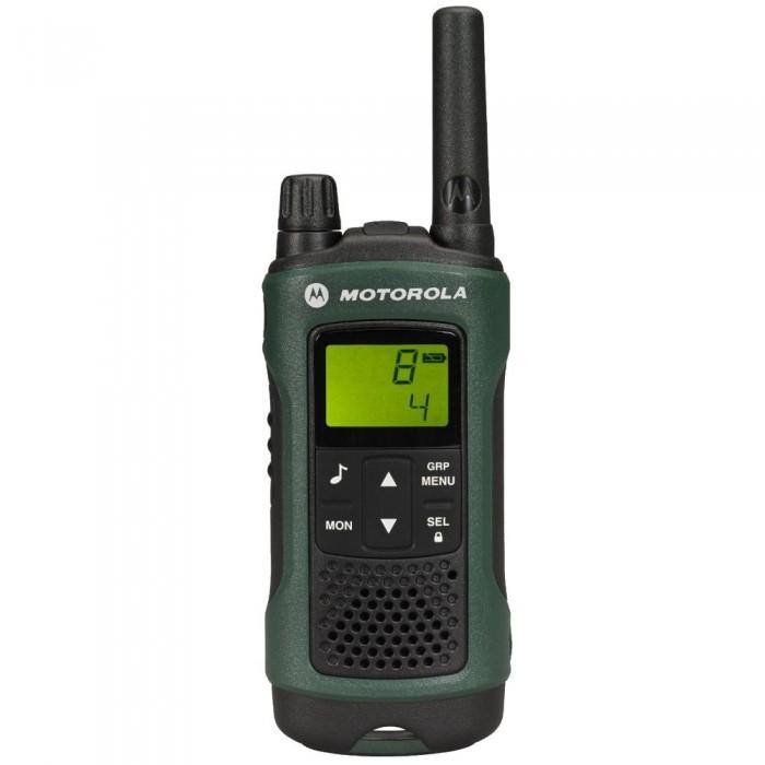 Рация Motorola TLKR-T81 HunterTLKR-T81 HunterMotorola Рация TLKR-T81 Hunter устойчивая к любым воздействиям окружающей среды, готова к использованию в самых тяжёлых условиях. Благодаря влагозащищенному корпусу и возможности подключения целого набора аксессуаров, TLKR T81 Hunter позволит Вам оставаться на связи на лесных тропах и высоко в горах.  Особенности: До 10 км радиус (в зависимости от условий и местности) Перезаряжаемые NiMH АКБ (в комплекте) 8 каналов + 121 код Сканирование/мониторинг Мониторинг помещения (радионяня) Функция свободные руки Светодиодный фонарик Защищенный корпус Возможность подключения гарнитуры «Всепогодное» исполнение Удобный футляр для переноски с аксессуарами LCD дисплей с подсветкой Блокировка клавиатуры Индикатор уровня заряда АКБ Мощность передатчика 500 mW Степень влагозащиты IPX4 10 тонов вызова Вибровызов Тон нажатия клавиш Подтверждение окончания передачи  Комплектация: 1 рация 1 крепление на ремень 1 Сетевой адаптер 1 Зарядное устройство 2 перезаряжаемых никель-металл-гидридных батареи 1 ремешок 1 гарнитура с прозрачным звуководом Руководство по эксплуатации<br>
