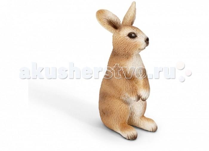 Schleich Игровая фигурка Кролик стоитИгровая фигурка Кролик стоитСтоящий кролик замер в спокойной позе, сложив передние лапки на живот и внимательно прислушиваясь. Этот зверек довольно смел и нисколько не боится человека. Именно поэтому теперь кролики живут не только в животноводческих хозяйствах, но и в городских квартирах – как домашние любимцы. Маленькая фигурка кролика входит в серию Schleich Животные на ферме и направлена на развитие внимания, памяти и воображения ребенка. Игрушка выполнена из безопасных высококачественных материалов и расписана вручную.  В серии  Домашние животные представлены все животные, которые окружают нас дома или на даче. С помощью отдельных элементов можно создавать целые фермы. Трогательные кошки, кролики, поросята,  ягнята и другие зверюшки не оставят равнодушными даже взрослых.   Все фигурки выполнены из высококачественных материалов  с максимальной точностью и раскрашены в ручную. Не вызывает аллергии.  Основные характеристики:  Размер фигурки: 2.5 &#215; 3 &#215; 5.5 см<br>