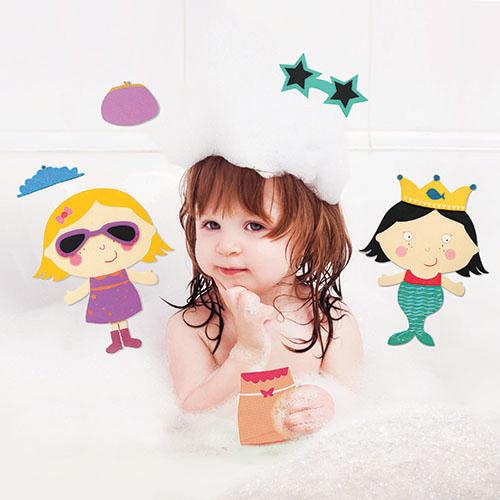 Lubby Набор игрушек МодницыНабор игрушек МодницыLubby Набор игрушек Модницы не оставит равнодушной ни одну маленькую модницу. В детский развивающий набор входят три модные куклы. Все принадлежности набора помещены в специальную сумку для хранения. Все детские принадлежности, игрушки и аксессуары, отвечают всем требованиям безопасности для здоровья новорожденных детей и изготовлены из качественных, экологически чистых материалов.  Размер игрушки: 24х5х30 см<br>
