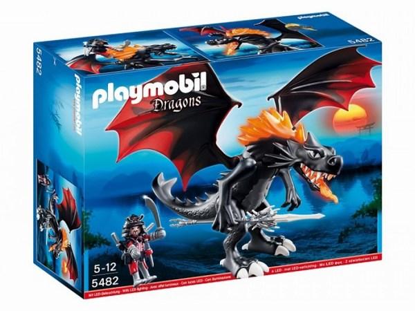Конструктор Playmobil Азиатский дракон: Битва ДраконаАзиатский дракон: Битва ДраконаБольшой черный дракон с воином в доспехах.   Воина можно посадить на дракона - ногами на крылья.   У дракона светится огонь и грива. Сначала загорается грива и потом пасть начинает светиться красным светом. Создается полное ощущение, что дракон дышит огнем. Для этого просто нажми на кнопочку на хребте.   Крылья поднимаются и опускаются, голова подвижная, туловище также может сгибаться.   Дракона можно использовать как отдельную игрушку или вместе с наборами Восточный замок с золотым драконом 5479 и Секретный форт дракона 5480<br>