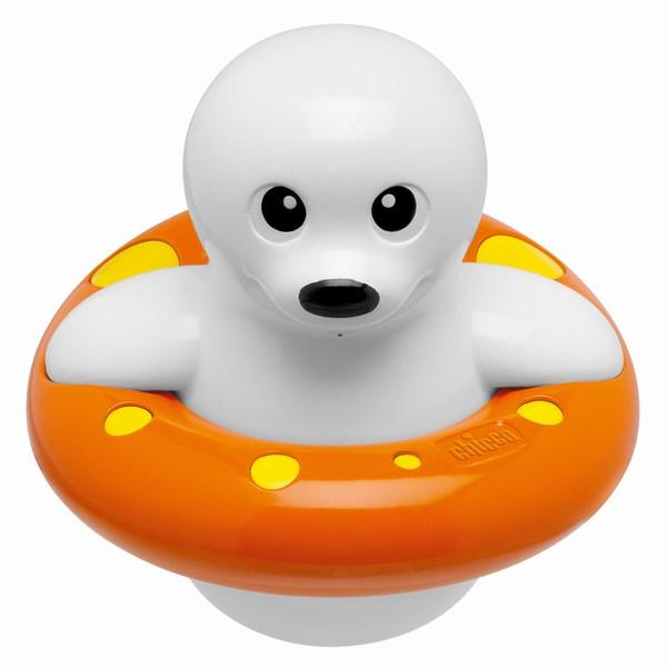 Chicco Морской котикМорской котикИгрушка для ванной гарантирует малышу веселое времяпрепровождение в воде.   При вращении пропеллера тюлень начинает шевелиться, при нажатии кнопки на его голове, создаются забавные эффекты в воде.<br>