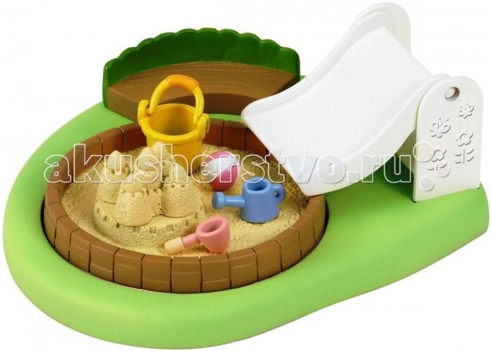 Sylvanian Families Игровой набор Бассейн для малышейИгровой набор Бассейн для малышейИгровой набор Sylvanian Families 2636 «Бассейн для малышей» — замечательная детская игровая площадка на открытом воздухе. Круглый бассейн также можно использовать в качестве песочницы.  В наборе: площадка с горкой, песочница-бассейн, скамеечка, набор для песочницы, песочный замок, мяч, лейка.  Внимание: зверюшки в набор не входят.  Сказочный мир игровых наборов Sylvanian Families разнообразен - это всевозможные зверюшки, у каждого из которых есть собственный дом, семья, работа. Состав семей в игровых наборах Sylvanian Families не ограничивается стандартным «папа, мама, ребенок», здесь есть даже бабушки и дедушки. Герои игровых наборов Sylvanian Families разнообразны: кролики, еноты, медведи, мыши, ежи, белки и многие другие. Однако разнообразием героев мир игрушек Sylvanian Families не ограничивается. Дома, предметы мебели, игрушечная еда и многие другие аксессуары представлены в ассортименте игрушек Sylvanian Families.<br>