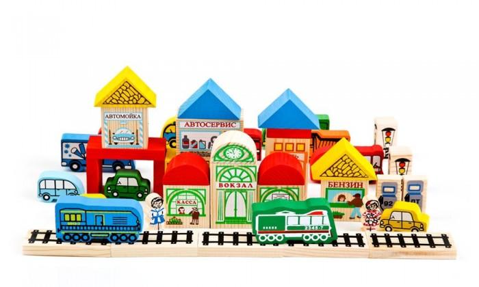 Деревянная игрушка Томик Конструктор Транспорт 45 деталейКонструктор Транспорт 45 деталейКонструктор Томик Транспорт включает в себя 45 деревянных деталей: человечки, транспорт, блоки для домика и крыши. Детали деревянного конструктора тщательно обработаны и покрыты нетоксичной краской, поэтому играть с такой игрушкой могут даже малыши.  Цветные элементы подарят ребенку массу положительных эмоций и помогут создать свой сказочный городок. Окна и двери нарисованы на одной стороне брусочков, у человечков рисунок тоже только спереди.  Конструирование способствует развитию пространственного мышления, глазомера, координации и мелкой моторики рук.  Деревянные конструкторы компании Томик можно комбинировать между собой. Большое количество деталей позволит детям не ограничивать свои фантазии и создавать более сложные постройки.  Материал: дерево.<br>