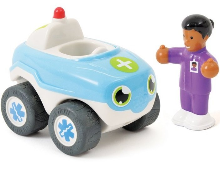 Wow Скорая помощь ДжоиСкорая помощь ДжоиСкорая помощь Джои точно успеет вовремя к пострадавшему, ведь у нее есть настоящая мигалка и ей все уступают дорогу! И приехав на место, доктор сразу принимается за дело!  Особенности игрушки: Во время движения игрушка жужжит, имитируя звук настоящего автомобиля Фигурку водителя можно вытаскивать  Эта игрушка очень крепкая, в ней нет мелких деталей и острых углов, поэтому с ней могут играть даже самые маленькие дети.  Развивающие преимущества игрушки: Для детей от 1,5 года - Развитие моторики и стимуляция чувствительности: - визуальная, слуховая и тактильная стимуляция - развитие моторики и координация глаз/рук Для детей от 2 лет - Открытия и обучение: - стимулирующие свойства для изучения и овладения навыками Для детей от 2,5 лет - Социальное взаимодействие: - интерактивные игры с взрослыми и друзьями Для детей от 3 лет - Ролевые игры и исследование: - игры помогут узнать о социальных ролях, ценностях - помогут развить воображение ребёнка  В комплект входит: Скорая помощь Джои фигурка доктора  Высота фигурки: 6 см. Материал: высококачественная пластмасса.<br>