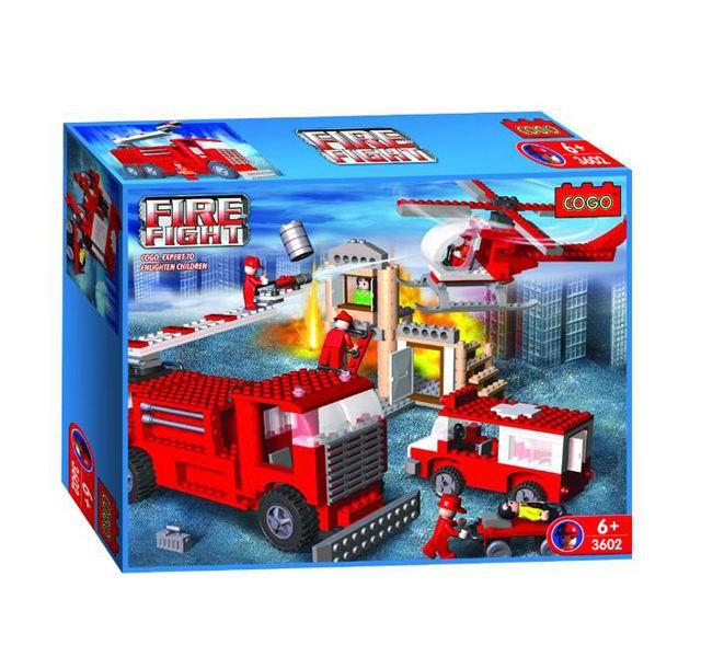 Конструктор Cogo Пожарный. На задании