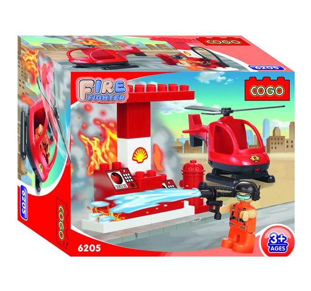 Конструктор Cogo Пожарный. Тушение заправочной станции 15 деталей для малышей