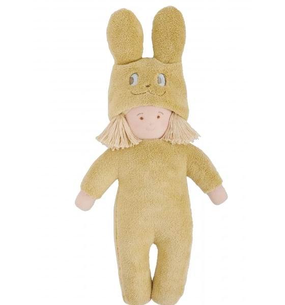 Trousselier Кукла Девочка в костюме кролика 40 смКукла Девочка в костюме кролика 40 смМягкая, тряпичная кукла Девочка в костюме кролика французской фирмы Trousselier, сшита из натурального хлопка.  Девочка одета в костюм кролика.   А небольшой размер позволит брать подружку всегда с собой.   Размер: 40 см. Материал: хлопок Советы по уходу: Возможна ручная стирка игрушки.  Французский бренд Trousselier вот уже более 40 лет создает уникальные коллекции детских игрушек, товаров для дома и интерьера. Вся продукция изготовлена из натуральных материалов с соблюдением высоких европейских стандартов качества.<br>