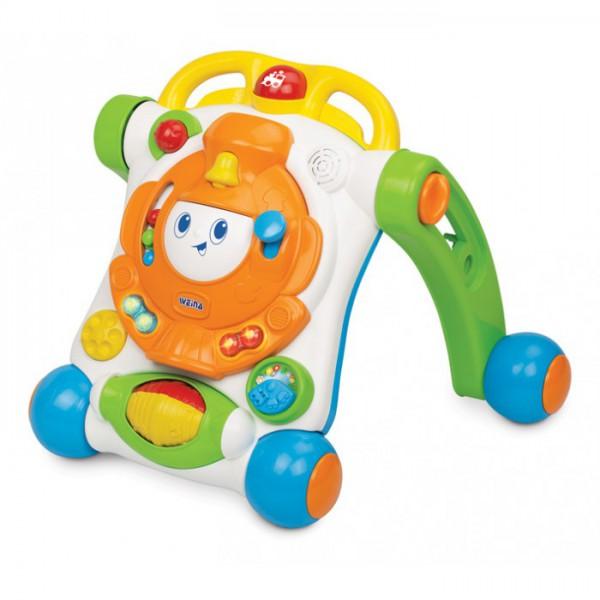 Ходунки Weina Веселый ПаровозикВеселый ПаровозикВеселый Паровозик - это оригинальные ходунки для малышей, которые только-только начали делать свои первые шаги. В то же время это развивающая игрушка для тех, кто уже умеет ползать. Она оснащена электронной развивающей панелью в виде паровозика со звуковыми и световыми эффектами.   В сложенном состоянии игрушку можно положить на пол, и малыш будет играть, лёжа на животе, а если ребёнок захочет пройтись, только разложите её, и она превратится в удобные ходунки. Такая игрушка надолго заинтересует Вашего малыша и станет ему прекрасным подарком.  Развитие навыков. Игрушка развивает чувство равновесия, поощряет малыша к новым исследованиям и открытиям. Игра с электронной панелью способствует развитию мелкой моторики. Звуковые эффекты и погремушки развивают слух у ребенка.  Особенности: Ходунки со звуковыми и световыми эффектами На передней части каталки расположена электронная развивающая панель Складная конструкция Тормозные фиксаторы на задних колёсах Изделие выполнено из высококачественного ударопрочного пластика Батарейки: 2 шт. типа АА (входят в комплект)<br>