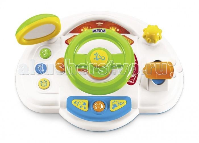 Weina Маленький водительМаленький водительЯркая развивающая игрушка Маленький водитель со звуковыми и световыми эффектами, имитирующая панель управления автомобиля.   Этот центр для детей, которые любят машинки и играть в вождение. Игрушка оснащена рулем, зеркалом бокового вида, рычагом переключения скорости и другими интересными для ребенка кнопками.   Каждая кнопка издает определенный звук. Малыш сможет почувствовать себя настоящим водителем.   Такая обучающая интерактивная панель обязательно заинтересует юного водителя.  Развитие навыков. Игрушка развивает у детей воображение, внимание, память, последовательность действий и мелкую моторику.  Батарейки: 2xAA (входят в комплект демонстрационные)<br>
