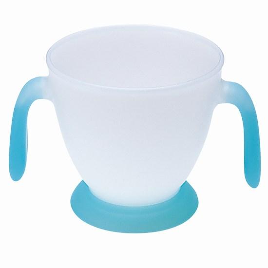 Combi Кружка с двумя ручками Baby First cupКружка с двумя ручками Baby First cupСерия детских товаров от Combi вобрала в себя все новейшие разработки и исследования в области ухода за детьми. Удобная кружка с двумя яркими ручками облегчает процесс обучения использованию столовых приборов. Яркий и удобный дизайн не оставит вашего малыша равнодушным.  Характеристики: для детей от 12 месяцев изготовлена из экологически чистых и безопасных материалов не содержит бисфенол-А кружка с двумя яркими ручками облегчает процесс обучения использованию столовых приборов можно использовать в микроволновке яркий и удобный дизайн не оставит вашего малыша равнодушным легко моется<br>