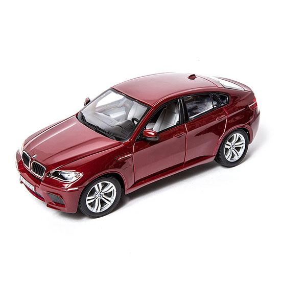 Bburago Машина BMW X6 MМашина BMW X6 MМашина Bburago BMW X6 M – это копия настоящего автомобиля с полной детализацией всех частей, 1:18  Игрушка выполнена из высококачественного металла и пластика. Детали и края аккуратно обработаны.   Коллекционные машинки Бураго развивают у ребенка развивают координацию движений и меткость, пространственное и образное мышление, воображение, мелкую моторику. С мини-модельками автомобилей Bburago игра станет настолько увлекательной, что оторваться будет невозможно!   Компания Bburago – мировой лидер в производстве коллекционных моделей автомобилей. Более 30 лет профессиональные дизайнеры Bburago разрабатывают точные копии современных машин и ретро машин известных марок. С автомобилями Bburago можно не только играть, но и сделать их частью своей коллекции!<br>