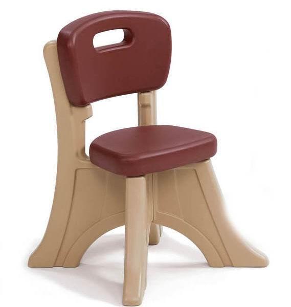 Step 2 СтульчикСтульчикУдобный детский стульчик порадует малыша и прослужит вам не один год.   Характеристики: изготовлен из высококачественного прочного пластика уникальный «Х» дизайн ножек делает стул устойчивым и прочным стильный стульчик прекрасно впишется в детскую спальню или игровую комнату подходит так же и для улицы легко моется прочная конструкция прослужит вашим детям долгие годы  максимальная нагрузка 34 кг  в комплекте 1 стульчик  Размеры (вхдхш) 53.3х34.3x33 см Вес 1.9 кг<br>