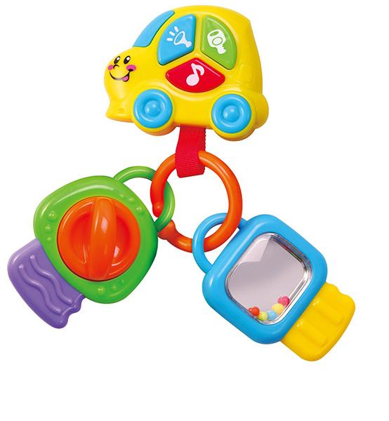 Playgo Брелок с ключамиБрелок с ключамиДва забавных ключа соединены красивеньким брелоком, который выполнен в виде машинки с тремя разноцветными кнопочками на кузове, при нажатии на которые активируются различные световые и звуковые эффекты.  В одних ключах спрятаны гремящие перекатывающиеся шарики, а в других – мульти-фактурные вставки, призванные стимулировать развитие тактильного восприятия.  Малышам очень нравятся музыкальные игрушки, кроме того, они полезны для развития слуха и речи. Музыкальные игрушки часто используются в развивающих занятиях с детьми раннего возраста.   Пластмасса сертифицирована, не имеет резкого запаха, не аллергена и не токсична. Родители могут быть спокойны за здоровье своего малыша.<br>