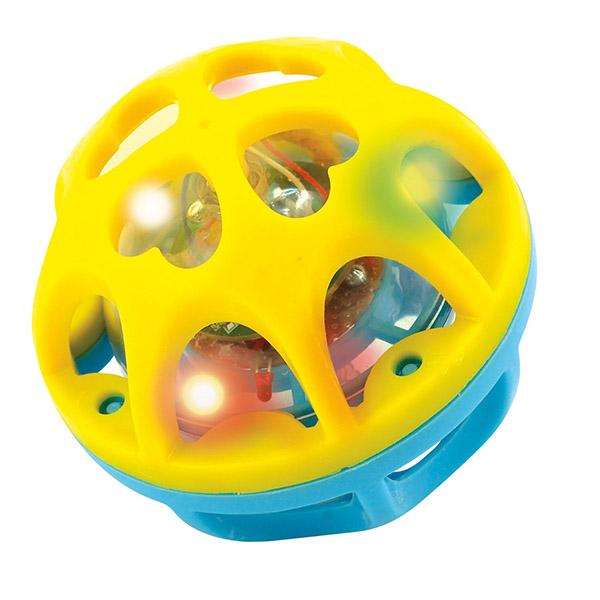 Развивающая игрушка Playgo Сверкающий мячСверкающий мячКорпус сделан из мягкого пластика.   Внутри находится еще один пластиковый шарик с разноцветными светодиодами.   Если трясти или кидать мячик, то он начинает мигать разноцветными огоньками.   Цвета жёлто-синий или красно-зелёный.  Диаметр мячика 10 см<br>