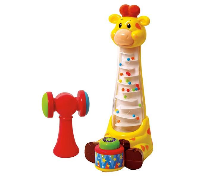 Развивающая игрушка Playgo Забавный жирафЗабавный жирафСтукните молоточком по барабану в ногах у жирафа и наблюдайте, как цветные шарики чудесным образом покатятся вниз по спирали.  Ваш ребенок будет в восторге от такой веселой игры.   Пластмасса сертифицирована, не имеет резкого запаха, не аллергена и не токсична. Родители могут быть спокойны за здоровье своего малыша.<br>
