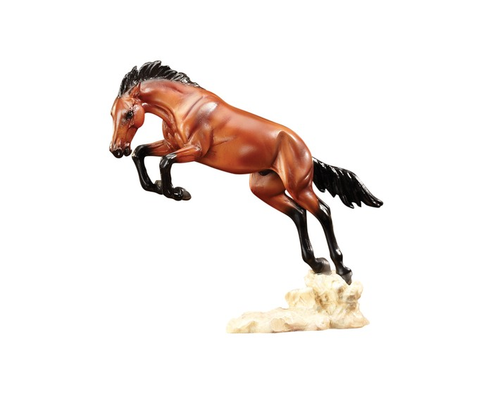 Breyer Скульптура Дикий Бронко (по мотивам Ф.Ремингтона)Скульптура Дикий Бронко (по мотивам Ф.Ремингтона)Скульптура лошади Дикий Бронко (по мотивам Ф.Ремингтона) из серии Лошадь в искусстве создана мастерами компании Breyer.   На данный момент продукты компании Breyer являются самыми реалистичными копиями лошадей благодаря точности линий, проработке мелких деталей и ручной росписи. Все это позволяет сделать каждую лошадь особенной и абсолютно не похожей на других.  Фредерик Ремингтон (1861-1909) восхищался Диким Западом, ковбоями и дикими лошадьми, и это отразилось в его картинах и скульптурах. Повседневная жизнь Дикого Запада воссоздана в них до мелочей. Одно из его наиболее известных полотен, изображающее ковбоев, укрощающих дикого коня, теперь оживает в новой скульптуре от Breyеr!   Модель лошади на подставке Дикий Бронко из серии Лошади в искусстве станет настоящим подарком как для коллекционеров и ценителей искусства, так и просто для любителей лошадей.   Размер лошади Д х В - 14.6 х 12.7 см  Лошадь упакована в подарочную закрытую коробку. Изготовлена из скульптурного пластика, абсолютно безопасна в использовании.<br>