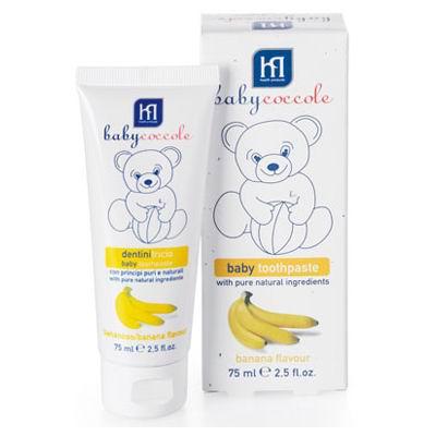 Babycoccole Зубная паста банан 75 млЗубная паста банан 75 млОписание и основные ингредиенты естественный приятный вкус специально разработана для первых молочных зубов способствует формированию привычки ежедневно ухаживать за зубами, благодаря приятному фруктовому вкусу, который так нравится малышам в состав входят фторид, кальций и витамины, которые усиливают структуру зубов  Применение очищает с максимальной заботой о молочных зубах не токсична, безвредна при случайном заглатывании  Результат чистые и защищенные зубы паста делает молочные зубы более сильными и здоровыми, не повреждает эмали    Подходит для использования с момента появления первых зубов.<br>