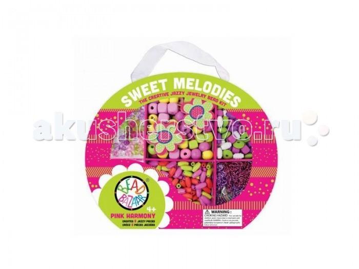Bead Bazaar Набор Чудесные мелодии Розовая гармония 3031Набор Чудесные мелодии Розовая гармония 3031Набор Чудесные мелодии Розовая гармония Bead Bazaar 3031.   Девочки могут сделать разнообразные украшения, придумывая сами различные дизайны и модели. В наборе 2 подвески.  В комплекте: деревянные бусины, пластиковые бусины, цветные цепочки, хлопковые веревочки.   Инструкция по сборке.  Возраст: для детей от 4 лет Размер: 26,7 х 21,6 х 3,8 см<br>