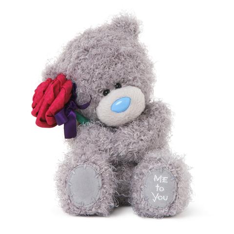 Мягкая игрушка Me to You Мишка Тедди с розой 18 смМишка Тедди с розой 18 смМягкая игрушка Me to You Мишка Тедди с розой - это очаровательная игрушка, которая создана для детей старше 3 лет. Она изготовлена из качественных материалов, которые абсолютно безвредны для ребенка. Милый медвежонок с красной розочкой в лапках обязательно понравится вашему малышу. Игрушка способствует развитию воображения и тактильной чувствительности у детей.   Очаровательный мишка - самый лучший подарок как для ребенка, так и для взрослого! Тедди дарит свою любовь и нежность многим поколениям детей и взрослых, откройте свое сердце для него.<br>