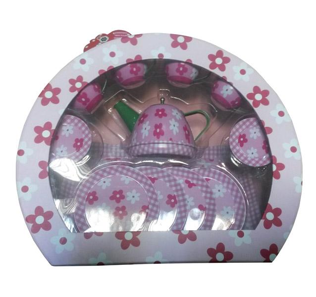 Ocie Набор посуды Цветы 9798-3BНабор посуды Цветы 9798-3BНабор посуды Цветы Ocie 9798-3B превратит кукольное чаепитие в праздник.  В наборе найдет всё, что нужно для чаепития: чашки, маленькие и большие тарелочки и чайник. Набор упакован в чемоданчик.  Игра стимулирует воображение, отлично дополняет сюжетно-ролевые игры маленьких поварят.  Размер упаковки: 30.5 х 10.3 х 26 см Возраст: с 3 лет.<br>