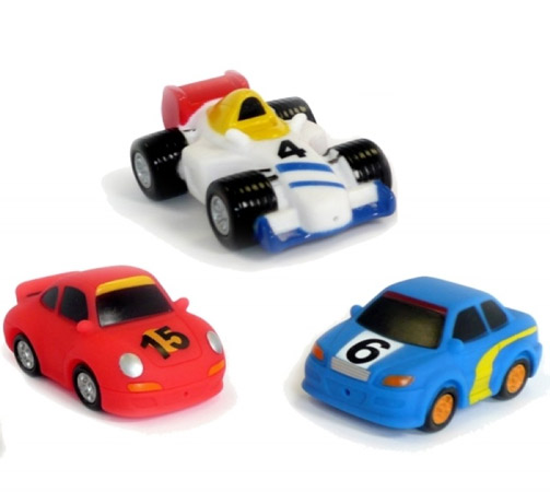 Ludi Игрушки для ванны Гоночные автомобили 2181Игрушки для ванны Гоночные автомобили 2181Игрушки для ванны Гоночные автомобили Ludi 2181 - набор игрушек брызгалок, состоящий из трех гоночных автомобилей.    Все игрушки выполнены из мягкого, яркого пластика и абсолютно безопасны для ребенка.  В комплекте: 3 игрушки.   Размер упаковки: 24 х 6 х 9 см Возраст: с 10 месяцев.<br>