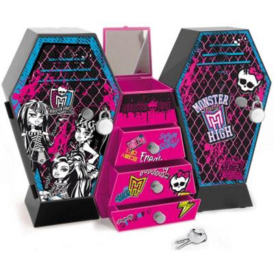 IMC toys Monster high Музыкальный шкафMonster high Музыкальный шкафIMC Toys Monster high Музыкальный шкаф - необыкновенная игрушка, в которой можно хранить одежку и аксессуары любимых куколок. Данная модель оформлена в стиле популярного мультфильма Школа Монстров. Шкаф имеет много отделений и выдвижных ящичков, интересную музыкальную озвучку и закрывается на замочек.<br>