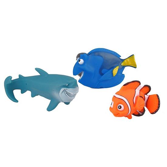Играем вместе Набор для ванной Немо, акула, ГлорияНабор для ванной Немо, акула, ГлорияНабор для купания Играем вместе Немо, акула, Глория непременно понравится вашему ребенку и превратит купание в веселую игру!   Игрушки выполнены из безопасного ПВХ.  Если сжать игрушки, раздастся веселый писк.  Оригинальный стиль и великолепное качество исполнения делают этот набор чудесным подарком к любому празднику, а жизнерадостные образы представят такой подарок в самом лучшем свете.<br>