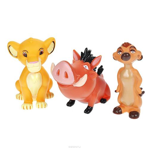 Играем вместе Набор для ванной Король левНабор для ванной Король левНабор для купания Играем вместе Король лев непременно понравится вашему ребенку и превратит купание в веселую игру!   Игрушки выполнены из безопасного ПВХ.  Если сжать игрушки, раздастся веселый писк.  Оригинальный стиль и великолепное качество исполнения делают этот набор чудесным подарком к любому празднику, а жизнерадостные образы представят такой подарок в самом лучшем свете.<br>