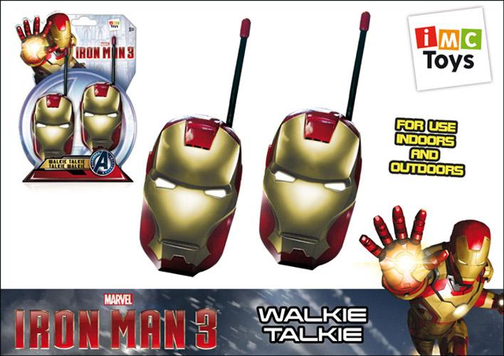 IMC toys Marvel Рация Iron manMarvel Рация Iron manIMC toys Marvel Рация Iron man - данный набор создан по мотивам фильма Iron Man (Железный человек), в него входят две рации, которые очень удобны и достаточно просты в управлении. Чтобы включить нажмите кнопку ON.   Для начала разговора необходимо нажать кнопку PUSH TO TALK и говорить в микрофон, располагая игрушку на расстоянии приблизительно 8 см от рта.   Радиус действия рации – до 80 метров. Устройство можно использовать и дома, и на улице.<br>