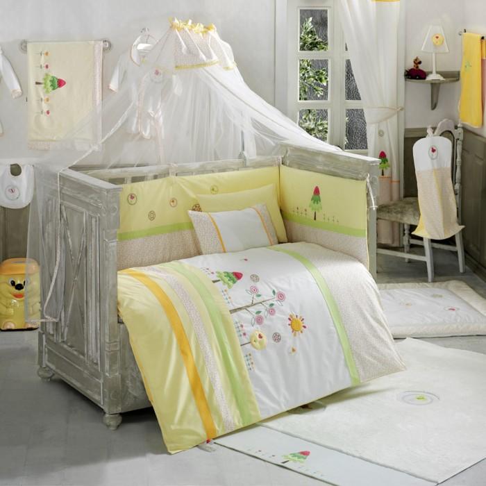 Постельное белье Kidboo Sunny Day (3 предмета)Sunny Day (3 предмета)Комплект в кроватку Kidboo Sunny Day выполнен из хлопкового полотна высокого качества и украшен вышивкой. В комплект входит три предмета: наволочка, простыня на резинке и пододеяльник.  Комплектация Простыня: 120х170 см; Пододеяльник: 100х140 см; Наволочка: 35х50 см.<br>