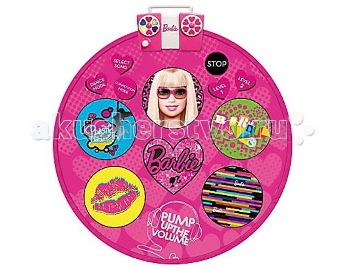 Игровой коврик IMC toys Barbie Коврик танцующийBarbie Коврик танцующийIMC toys Barbie Коврик танцующий - коврик оформлен рисунками в стиле знаменитой куклы Барби.  На звуковой чип коврика записаны 4 мелодии. Также этот коврик можно подключить к музыкальному плееру или любому другому музыкальному устройству для воспроизведения вашей любимой музыки.  Для работы потребуются батарейки.   Коврик имеет удобную ручку для переноски, так что ваша малышка сможет легко взять его с собой куда угодно!  Диаметр коврика: 90 см.<br>