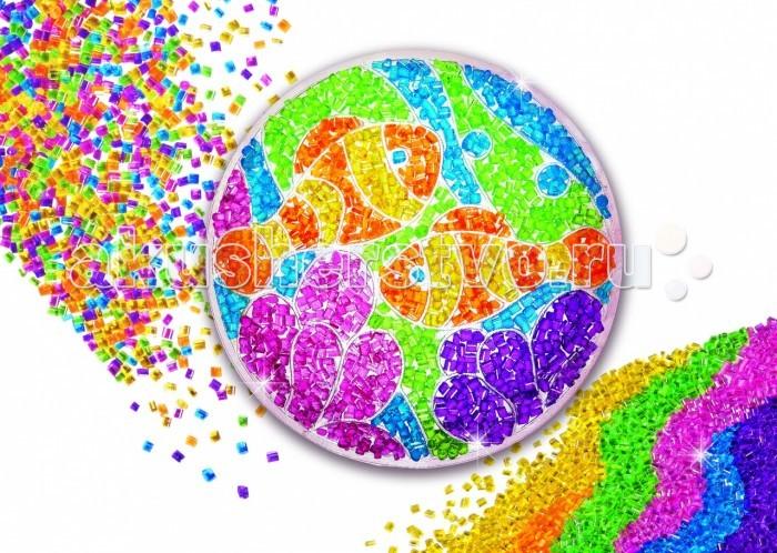4М Набор Светящаяся мозаика 00-04596Набор Светящаяся мозаика 00-04596Светящаяся мозаика 00-04596  Для всех кто любит заниматься творчеством и украшать свою комнату необычными аксессуарами мы предлагаем уникальный набор 4M Светящаяся мозаика! Это многофункциональный набор для творчества, который поможет создать необычный светильник.   Днем это эффектный витраж, который можно прикрепить с помощью присоски к окну. Ночью достаточно включить световой модуль, и витраж превратится в светильник! Установив мозаику на специальную подставку, вы получите дизайнерское украшение для комнаты.  Творческий процесс:  Залейте клеем одну выделенную область абажура, в которую хотите высыпать бусинки или кристаллы.   Заливайте области клеем и засыпайте их бусинками одну за другой, так как клей имеет свойство высыхать.  По окончании декорации абажура установите световой модуль.  Прикрепите абажур к стенду, совместив выступы на стенде с прорезями на абажуре, вставьте их до конца.   Поздравляем, Ваш светильник готов! В состав набора входят: 1 абажур 1 световой модуль 6 пакетиков цветных бусинок и кристаллов 1 тюбик клея 1 стенд 1 подставка 1 присоска подробная инструкция на русском языке.<br>