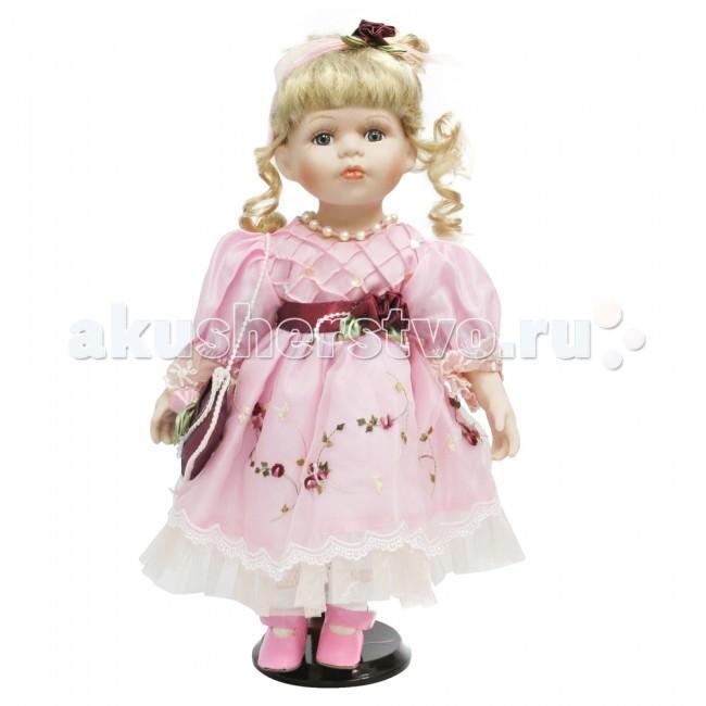Lisa Jane Кукла фарфоровая Мелания 14 35.5 смКукла фарфоровая Мелания 14 35.5 смКукла фарфоровая Мелания 14 35.5 см.  Фарфоровые куклы «Lisa Jane» созданы по лицензии знаменитой американской фотохудожницы Лизы Джейн. При создании кукол «Lisa Jane» дизайнеры уделяют внимание абсолютно всем частям тела, каждая деталь играет важную роль в создании образа: изящный фарфор, миловидное лицо, великолепный наряд.  У кукол «Lisa Jane» очень нежный, немного бледный оттенок кожи, глаза сделаны очень натуралистично, изготавливаются они специально из безопасного пластика.   Все куклы имеют индивидуальные цвет и радужную оболочку глаз.  Отдельное внимание уделяется пушистым ресницам, волосам кукол и прическе. Куклы настолько индивидуальны, что у каждой свое неповторимое имя.  Фарфоровая кукла «Lisa Jane» - это изящный, прекрасный выбор и неповторимое украшение интерьера комнаты.  Высота куклы: 35.5 см<br>