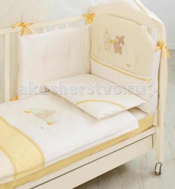 Комплект в кроватку Italbaby Dolce Frutta (5 предметов)Dolce Frutta (5 предметов)Белье Dolce Frutta (5 предметов) прекрасно подойдет для детской мебели ItalBaby. Гипоаллергенно, сертифицировано, стирка в стиральной машине.  Комплект может быть дополнен фирменными аксессуарами: колыбель, конверт на молнии, настольный абажур, плетеная корзина для аксессуаров, корзина для переноски.   Комплект из 5 предметов:  бампер простынь на резинке наволочка одеяло  пододеяльник  Состав: 100% хлопок.  Общие размеры: одеяло, пододеяльник (дхш) 130х100 см наволочки (дхш) 40х60 см<br>