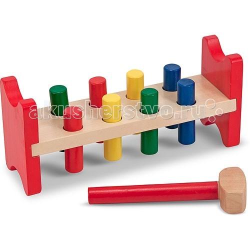 Деревянная игрушка Melissa &amp; Doug Классические игрушки Забить в лункиКлассические игрушки Забить в лункиДеревянная игрушка Melissa & Doug Классические игрушки Забить в лунки - Вашему малышу нужно будет с помощью специального молотка забивать гвоздики на свои места.   Игрушка развивает моторику, внимание, точность и координацию движения.<br>