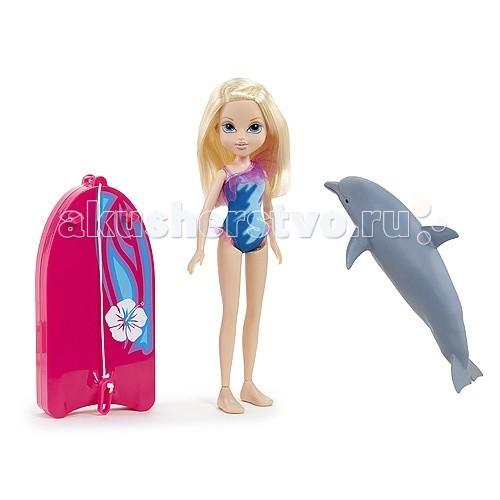 Moxie Кукла Эйвери с плавающим дельфиномКукла Эйвери с плавающим дельфиномКукла Moxie Эйвери с плавающим дельфином  Удивительная кукла Moxie по имени Эйвери с плавающим дельфином веселится на пляже! Она любит заниматься серфингом с помощью своей яркой доски и ручного дельфина!   Дельфин прекрасно плавает, стоит только опустить его в воду!  Накинь специальное крепление доски на плавник и отправляйся в веселое путешествие по морским просторам!  Кукла Эйвери в ярком купальнике. Дельфин, который начинает плыть при погружении в воду. Красочная доска для серфинга с креплениями для рук.  Для работы дельфина необходимы 2 батарейки размера ААА.<br>