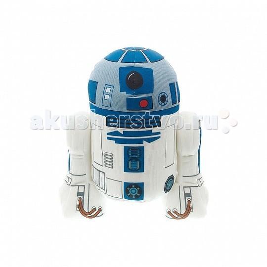 Мягкая игрушка Star Wars Р2-Д2 плюшевый со звукомР2-Д2 плюшевый со звукомИгрушка StarWars Р2-Д2 плюшевый со звуком  Оригинальная мягкая игрушка Р2-Д2 из серии StarWars выполнена в виде героя нашумевшей киносаги Звездные войны!  R2-D2 — астромеханический дроид и коллега C-3PO в вымышленной вселенной.Он один из немногих персонажей, который появлялся во всех шести фильмах «Звёздных войн» без изменений во внешнем виде и манеры разговора. R2 обладает множеством инструментальных приспособлений, позволяющих ему быть величайшим механиком космических кораблей и специалистом по взаимодействию с компьютерами. Герой довольно часто бросается в опасные ситуации без раздумий. Эта любовь к авантюризму спасает всех в дни многочисленных происшествий, что приводит к изменению истории галактики.  Игрушка ростом 23 см издает оригинальные звуки из кинофильма.<br>