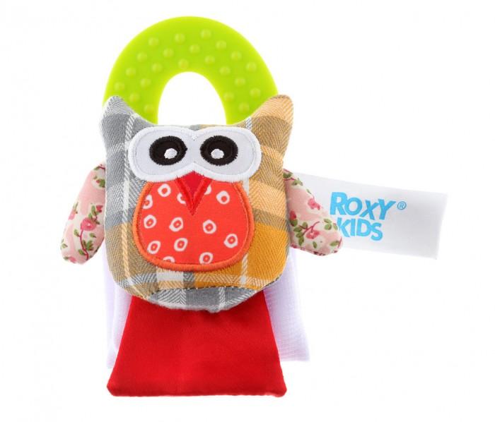 Прорезыватель Roxy СоваСоваПрорезыватель Roxy Сова - это развивающая игрушка на запястье с прорезывателем и шуршалками надежно защитит нежную кожу малыша от рефлекторных движений рук и пальцев, предотвращает появление царапин на лице.  Сова избавляет малышей от привычек сосать руки или палец, что не мало важно для гармоничного развития ребенка в будующем.  Особенности: Игрушка помогает справиться с растущими зубками Игрушку можно положить в холодильник на 10-15 минут для охлаждающего анестезиологического эффекта, который снимает болезненные ощущения в деснах малыша Игрушка удобно брать в дорогу Легко стирается  Изготовлена из высококачественного, мягкого трикотажного полотна без применения красителей Натуральная ткань не раздражает детскую кожу, позволяя ей дышать Сшита в свободном крое Игрушка с шуршащими эффектами<br>