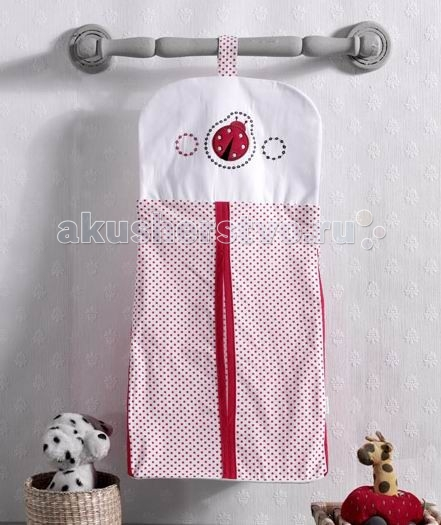 Kidboo Прикроватная сумка Little LadybugПрикроватная сумка Little LadybugПрикроватная сумка Kidboo Little Ladybug  В такой сумочке удобно разместятся, например, чистые подгузники или запасные пеленки. Сумка оригинального дизайна, очень практичная, с удобной застежкой.   Ее можно подвесить не только на кроватку, но и на пеленальный столик, шкафчик, ручку двери - в любое удобное для мамы место.  Материал: 100% хлопок  Размер: 30х65 см<br>