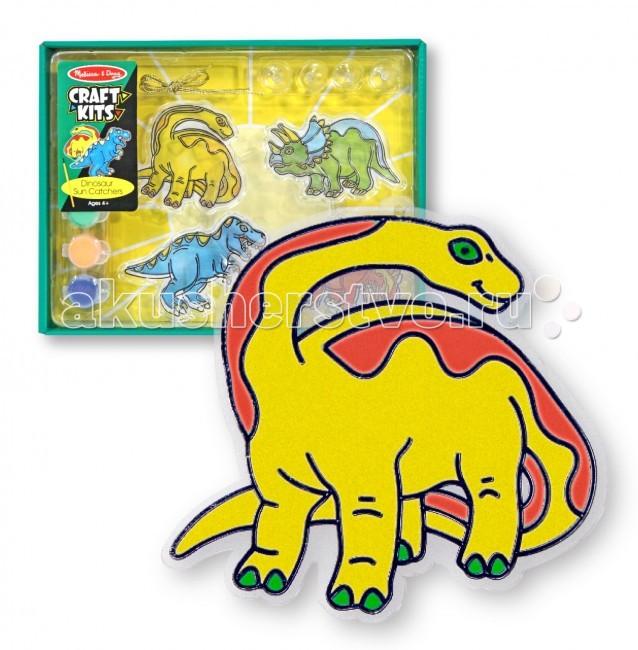 Melissa &amp; Doug Набор витражей ДинозаврыНабор витражей ДинозаврыMelissa & Doug Набор витражей Динозавры - создадут в доме волшебную атмосферу и преобразят Ваш интерьер.   Благодаря прозрачной основе узоры видны с обеих сторон наклеек, поэтому особенно хорошо они подойдут для украшения окон.  Ловить солнце очень просто - разукрасьте четырех динозавров, повесьте на окно и солнце само залетит к вам в комнату!  В наборе: 4 динозавра, прозрачная краска 4 цветов, 4 присоски.<br>