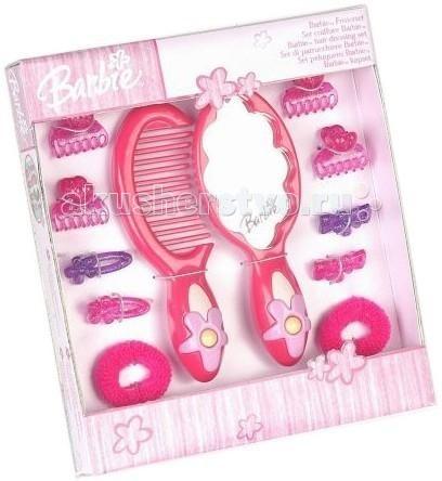 Klein Набор с зеркалом Barbie 12 предметовНабор с зеркалом Barbie 12 предметовBarbie Набор с зеркалом 12 предметов/коробка.  Набор с зеркалом Barbie Klein 5704 - это набор аксессуаров для волос, выполненный в розовой цветовой гамме, в стиле модной куколки Барби. В наборе есть все самое необходимое для создания стильных образов. Все его элементы изготовлены из высококачественного пластика. Klein Набор с зеркалом Barbie 5704 идеально подойдет для вашей малышки. В комплекте:  расческа  различные заколочки и резиночки расческа с зеркальцем.  Особенности: все предметы набора изготовлены из высококачественного пластика и окрашены в красивые розовые тона набор упакован в подарочную коробку все предметы абсолютно безопасны для детей  зеркало не бьется.<br>