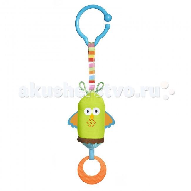 Подвесная игрушка Tiny Love Сова 489Сова 489Яркие эмоции с подвеской Сова  Игрушка подвеска «Сова» создана специально для развлечения малышей.  Подвеска крепится на удобное колечко к кроватке, коляске, музыкальному мобилю, автомобильному креслу.  Игрушки для новорожденных дарят массу ярких впечатлений, в сове есть один секрет – колокольчик, а на кончике висит колечко-прорезыватель, если потянуть его и отпустить, то сова весело зазвенит.  Сова в виде подвески притягивает взгляд малыша, ребенок будет сначала рассматривать игрушку, затем тянуть ручки, а после весело дергать и отпускать, реагируя на издаваемые звуки.  За прорезыватель малыш может дергать как за колечко, или легонько грызть его, облегчая боль при прорезывании зубов.  Подвеска от Tiny Love яркая и запоминающаяся, она никогда не надоест ребенку, а только развеселит его и станет любимой игрушкой.  Подвесные игрушки и дуги способствуют развитию зрительного восприятия, координации движений, развитие слуха, моторики ручек.  Для малышей очень важно разнообразие, поэтому в коллекцию можно приобрести подвеску «Божья коровка» (арт. 482).  Игрушка-подвеска предназначена для детей от 0 месяцев.  Продукция сертифицирована, экологически безопасна для ребенка, использованные красители не токсичны и гипоаллергенны.<br>