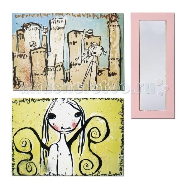 Lundby Смоланд Зеркало и картиныСмоланд Зеркало и картиныLundby Аксессуары для домика Смоланд Зеркало и картины.  Шведская компания Lundby – одна из старейших в мире по производству кукольных домиков. Ее история началась в далеком 1945 году, когда супруги Томсен открыли семейное предприятие в родном городе Lundby Лундбю. Со временем производство значительно расширилось, а игрушки компании Lundby завоевали сердца покупателей во всем мире. Кукольные домики Lundby – это уменьшенные копии современных домов в масштабе 1:18. Серия Смолэнд – это основа, которую можно заполнить мебелью и деталями интерьера на свой собственный вкус: приобрести новый комплект мебели, поменять обои, повесить шторы. Также есть возможность расширить игровое пространство, достроив дополнительный этаж. Отдельно можно приобрести уличную зону в зимнем и летнем варианте.  Серия Стокгольм – это домик с элементами внешнего дизайна: верхней площадкой для барбекю, внутренним двориком и шикарным выдвижным бассейном. Разумеется, этот домик тоже можно обставить и украсить на свой вкус. Уникальная особенность домиков Lundby – возможность подключения настоящего освещения в комнатах! Эта опция приводит в восторг даже родителей, что уж говорить о детях. При этом оборудование полностью безопасно, что очень важно, когда речь идет о детских игрушках.   Освещение подключается очень легко: внутри домика имеется вся необходимая проводка – нужно просто установить светильники и подключить к питанию можно подключить до 36 единиц различного света. Элементы освещения и блок питания продаются отдельно в наборах. Мебель и детали интерьера выполнены с большим вниманием к деталям, выглядят очень достоверно и гармонируют между собой. Чтобы поменять обои в домике, нужно скачать их с сайта компании в pdf-формате, распечатать на цветном принтере, вырезать и наклеить.  Изделия Lundby изготавливаются из качественных и абсолютно безвредных материалов. Домики выполнены из прочной пластмассы, которая не содержит экологически вредных п