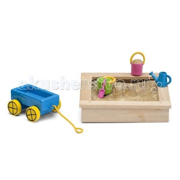Lundby Смоланд Детская песочница с игрушкамиСмоланд Детская песочница с игрушкамиLundby Аксессуары для домика Смоланд Детская песочница с игрушками. Шведская компания Lundby – одна из старейших в мире по производству кукольных домиков. Ее история началась в далеком 1945 году, когда супруги Томсен открыли семейное предприятие в родном городе Lundby Лундбю. Со временем производство значительно расширилось, а игрушки компании Lundby завоевали сердца покупателей во всем мире. Кукольные домики Lundby – это уменьшенные копии современных домов в масштабе 1:18. Серия Смолэнд – это основа, которую можно заполнить мебелью и деталями интерьера на свой собственный вкус: приобрести новый комплект мебели, поменять обои, повесить шторы. Также есть возможность расширить игровое пространство, достроив дополнительный этаж. Отдельно можно приобрести уличную зону в зимнем и летнем варианте.  Серия Стокгольм – это домик с элементами внешнего дизайна: верхней площадкой для барбекю, внутренним двориком и шикарным выдвижным бассейном. Разумеется, этот домик тоже можно обставить и украсить на свой вкус. Уникальная особенность домиков Lundby – возможность подключения настоящего освещения в комнатах! Эта опция приводит в восторг даже родителей, что уж говорить о детях. При этом оборудование полностью безопасно, что очень важно, когда речь идет о детских игрушках.   Освещение подключается очень легко: внутри домика имеется вся необходимая проводка – нужно просто установить светильники и подключить к питанию можно подключить до 36 единиц различного света. Элементы освещения и блок питания продаются отдельно в наборах. Мебель и детали интерьера выполнены с большим вниманием к деталям, выглядят очень достоверно и гармонируют между собой. Чтобы поменять обои в домике, нужно скачать их с сайта компании в pdf-формате, распечатать на цветном принтере, вырезать и наклеить.  Изделия Lundby изготавливаются из качественных и абсолютно безвредных материалов. Домики выполнены из прочной пластмассы, которая