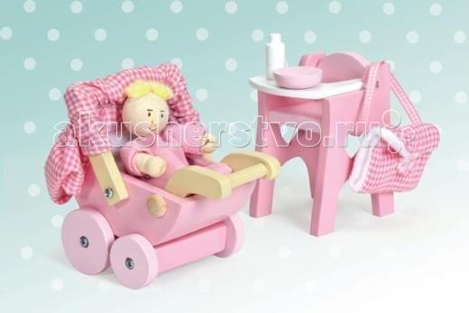 LeToyVan Набор ДетскаяНабор ДетскаяLeToyVan Набор Детская.  Очаровательный игровой набор для девочек Детская.  В набор можно играть как в отдельную игрушку или сочетать в игре с кукольным домиком. Игрушечный набор сделан из дерева, раскрашен в розовый цвет и включает: коляску для малыша на больших колесах с капюшоном из ткани маленькую куклу в комбинезоне из ткани стульчик для кормления ребенка тканевую сумку, тарелочку и детскую бутылочку.  Игровой набор Детская сделан из дерева и ткани состоит из 6 игровых элементов окрашен в розовый цвет подходит для самостоятельной игры или в сочетании с кукольным домиком подарочная упаковка.<br>