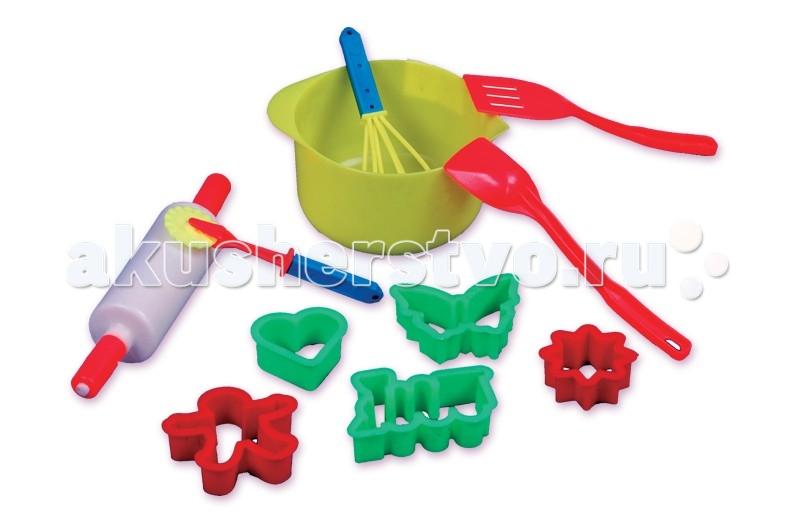 Огонек Кулинарный наборКулинарный наборУ каждой взрослой хозяйки на кухне есть все эти предметы, а у маленькой хозяюшки? Как приготовить вкусный тортик или испечь печение без скалки, формочек и других полезных аксессуаров?   Кулинарный набор поможет развить в девочке желание стать настоящей хозяюшкой-мастерицей точь-в-точь как мама или умелица бабушка.   В комплект игрушки входят: Миска - 1 шт. Формочка для печенья - 5 шт. Лопатка - 1 шт. Ложка - 1 шт. Скалка - 1 шт. Венчик - 1 шт. Ролик - 1 шт.<br>