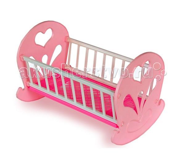 Кроватка для куклы Огонек качалкакачалкаКрасивая и удобная кровать-качалка станет прекрасной колыбелькой для куклы. Кровать-качалка прекрасно дополнит интерьер кукольной комнаты и порадует Вашего ребенка.  В процессе сюжетно-ролевой игры Дочки-матери ребенок выстраивает социальные отношения между участниками и лучше начинает чувствовать свое социальное место, учится общаться, развивает фантазию, приучается к ответственности, осознает свои права и обязанности, получает трудовые навыки.  Размер кроватки 46х30х30 см.  Внимание! Цвета в ассортименте!<br>